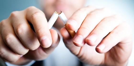 Un nuovo corso per smettere di fumare (© AdobeStock | Rumkugel)
