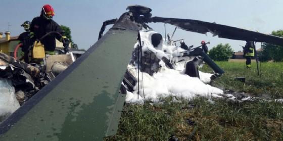 L'elicottero caduto nel Padovano (© ANSA)