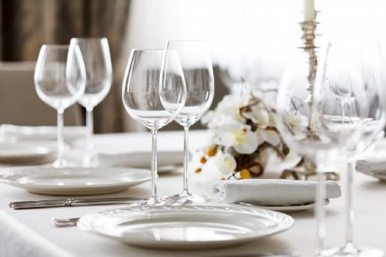 Brandizzo, arriva la Cena in Bianco (© Shebeko - shutterstock.com)