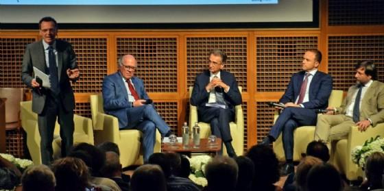 Il presidente UIb Carlo Piacenza ed il tavolo dei relatori