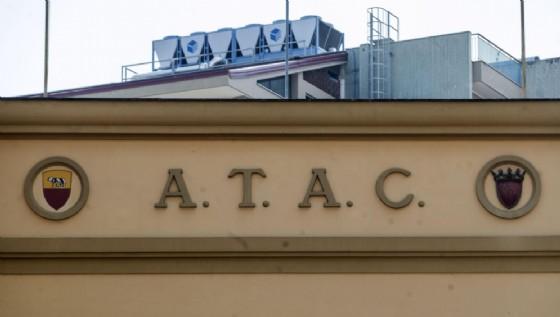 17 ex dirigenti di Atac e Cotral sono indagati per abuso d'ufficio.