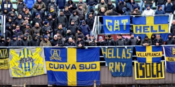 Cori nazisti pro Hitler ed Hess alla festa dei tifosi del Verona: indagini (© ANSA)