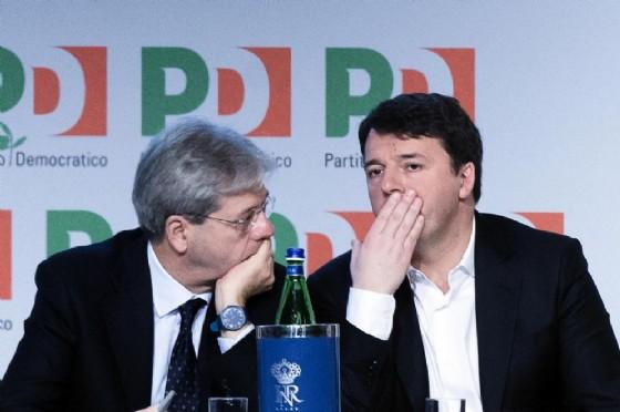 Il premier Paolo Gentiloni con il segretario del Pd Matteo Renzi