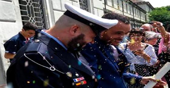 Matrimonio Omosessuale In Italia : Primo matrimonio gay in divisa italia torino si