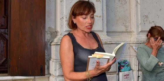 La scrittrice veneziana Isabella Panfido tiene a battesimo la nuova Libreria Mondadori di Mestre (© Centro Culturale Candiani)