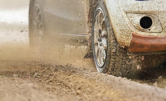 Cuorgnè torna il «Primo Rally D'estate» (© Shutterstock.com)
