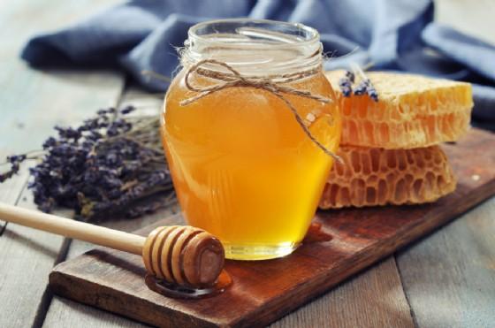 Arriva la Sagra del Miele a Pratolungo (© mama_mia - shutterstock.com)