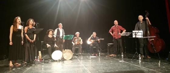 Un'esibizione del gruppo Malapizzica