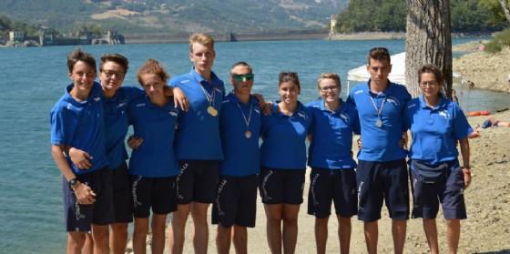 La squadra maschile e femminile insieme all'allenatrice Monica Facelli
