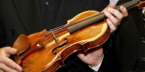 """""""Musica a 4 stelle"""": a Grado ritorna il suono dello Stradivari (© Associazione Culturale Musica Viva)"""