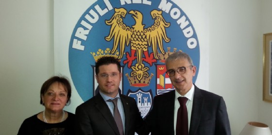 La professoressa Anna Pia De Luca cons. direttivo dell'Efm, il sindaco di Valvasone Arzene Markus Maurmair e il presidente dell'Ente Friuli nel Mondo Adriano Luci