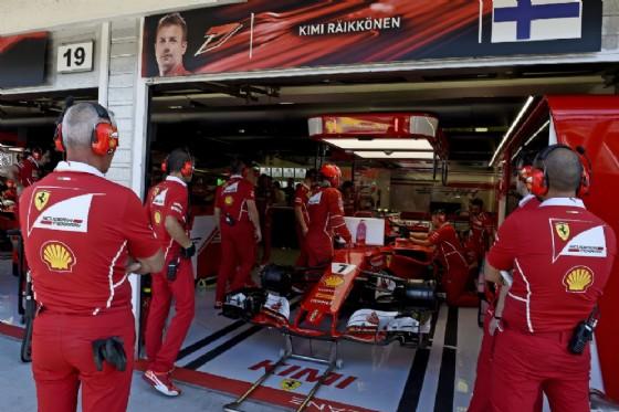 Gp Ungheria: Vettel in pole davanti a Raikkonen