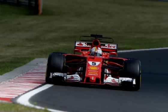 Gp d'Ungheria, nelle libere sfreccia Ricciardo. Vettel precede le Mercedes