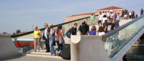 Numerosi turisti sono stati derubati (© ANSA)