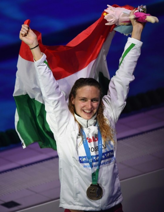 Hungary's Katinka Hosszu celebrates after the final of the women's 400m individual medley on July 30, 2017