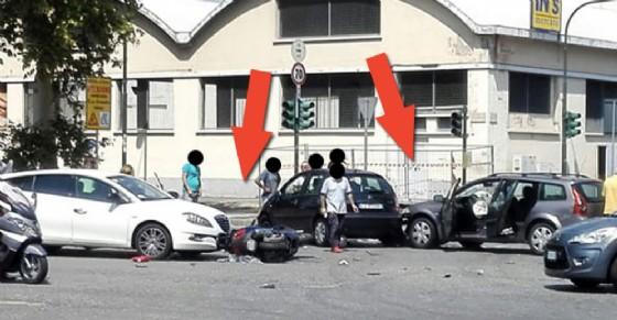 Corso Grosseto pochi minuti dopo l'incidente