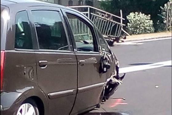 Una delle due auto coinvolte nell'incidente