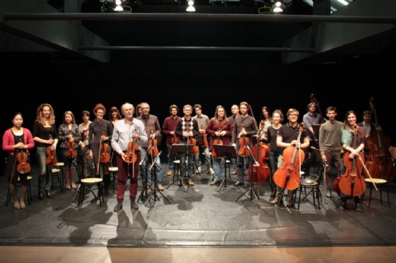 La sezione archi dell'Orchestra Filarmonica di Torino (© Orchestra Filarmonica di Torino)