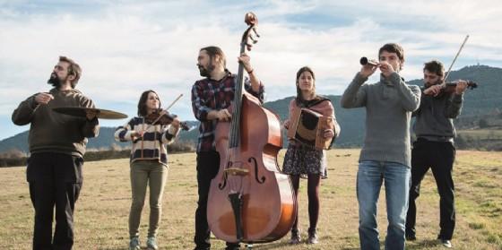 FestInVal a Tramonti di Sotto: stage di danza, canto e strumento, concerti, mercatino, laboratori ed escursioni (© Orquestrina Trama)