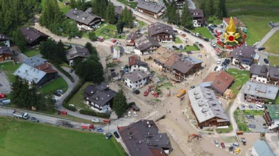 Bomba d'acqua a Cortina, evacuate 12 case