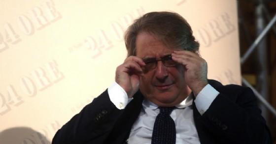 L'ex direttore de Il Sole 24 Ore Roberto Napoletano prenderà un bonus da 700 mila euro.