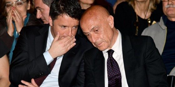Il segretario Pd Matteo Renzi e il ministro dell'Interno Marco Minniti