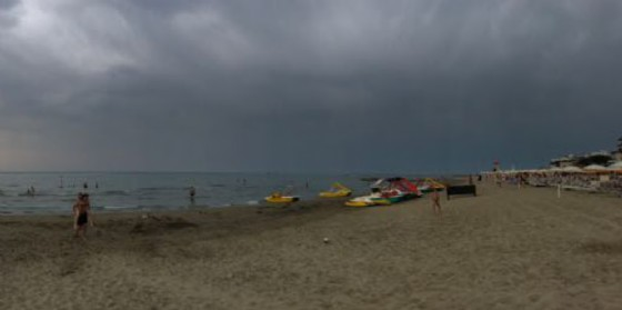 Dopo il maltempo Lignano si rialza: venerdì spiagge già riaperte