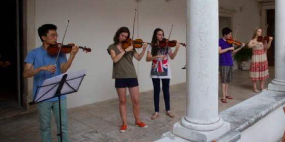Gli allievi del new Virtuosi International Violin Mastercourse (© Comune di Trieste)