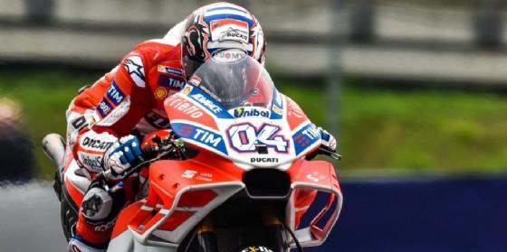 Andrea Dovizioso leader delle prove libere sulla Ducati