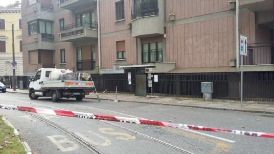 L'area del tentato omicidio e suicidio, delimitata dalla polizia