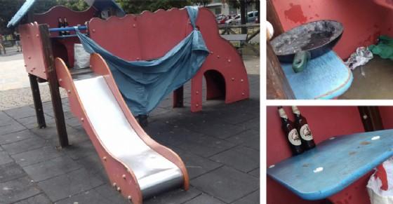 I giochi dei bambini resi inagibili (© Diario di Torino)