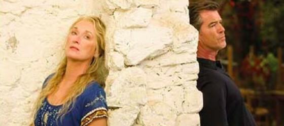 Una scena del musical Mamma Mia! (© The Telegraph)