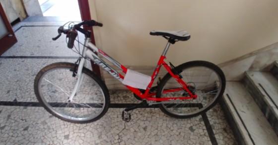 Una delle due biciclette ritrovate