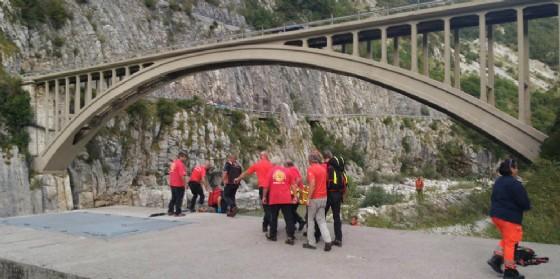 Soccorso un ragazzo caduto lungo il Torrente Cellina (© Corpo Nazionale Soccorso Alpino e Speleologico)