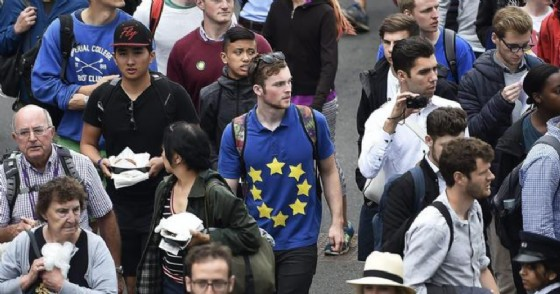 Gran Bretagna, lettera del ministero degli Interni a cittadini Ue: «Andatevene o sarete espulsi». Spedita per sbaglio