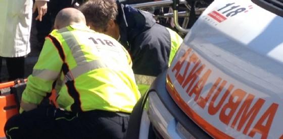 L'intervento dell'ambulanza (© diario di trieste)