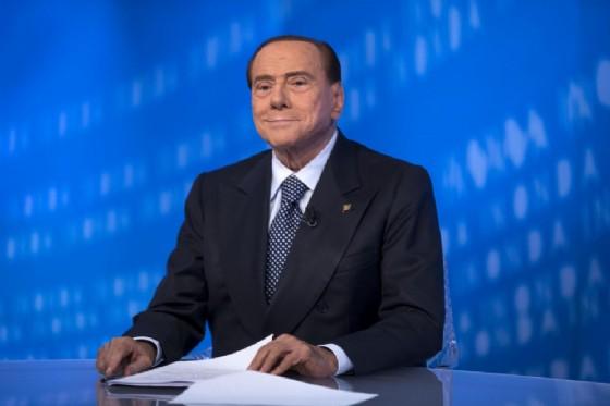 Il leader di Forza Italia Silvio Berlusconi lancia un appello all'unità a Matteo Salvini e a Giorgia Meloni