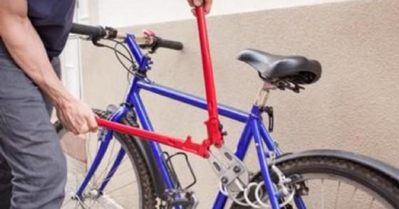 Furto di bicicletta - immagine di repertorio