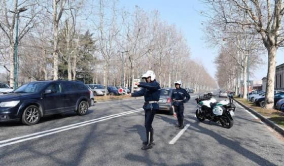 L'automobilista è stato fermato dopo un inseguimento (© ANSA)