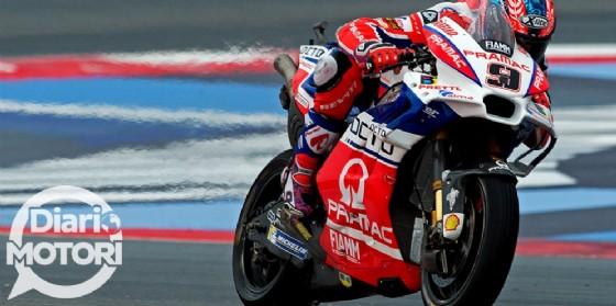 Danilo Petrucci in azione con la sua Ducati Pramac nel GP di Misano