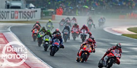 La partenza di Jorge Lorenzo in testa alla gara