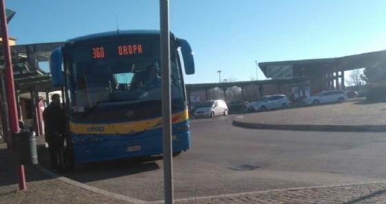 Il capolinea del bus di Oropa alla stazione San Paolo (© Città Biella)