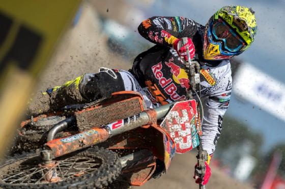 Cairoli in sella alla sua Ktm Sx-F durante il Gran Premio d'Olanda