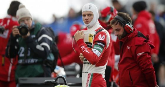Mick Schumacher sulla griglia di partenza del Nurburgring