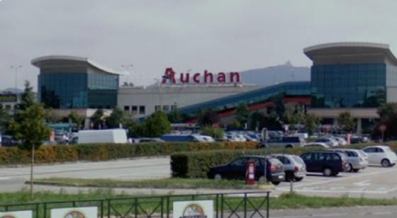 L'Auchan di corso Romania (© Google Street View)