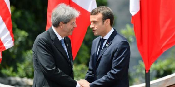 Il premier Paolo Gentiloni e il presidente francese Emmanuel Macron