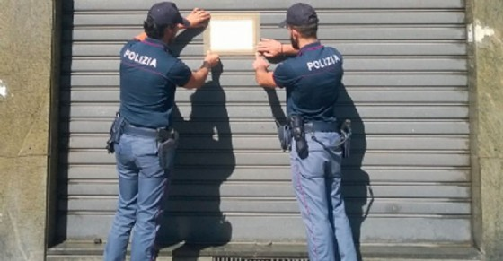 La chiusura del Compro Oro (© Polizia di Stato)