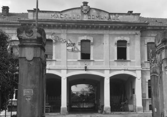 L'ingresso dell'ex macello (© Diario di Biella)