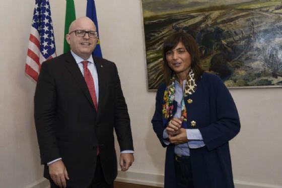 Debora Serracchiani, e il console generale Usa in Italia, ambasciatore Philip T. Reeker (© Regione Friuli Venezia Giulia)