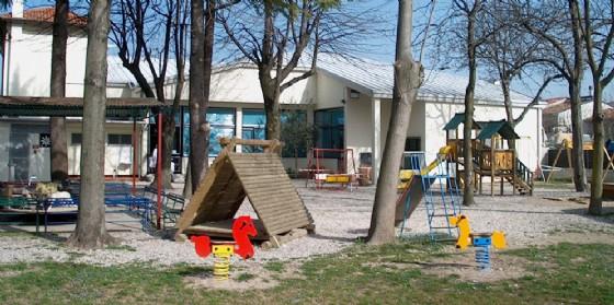 Scuola, la Provincia finanzia la manutenzione del tetto della materna di Latisanotta (© Provincia Udine)
